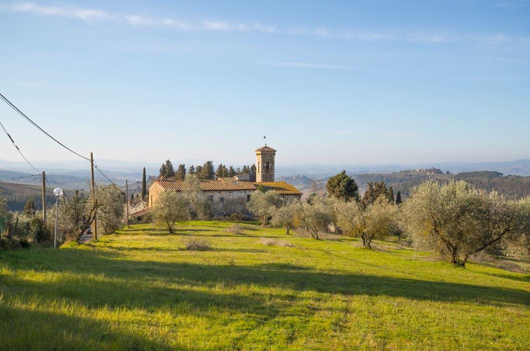 Veduta della Chiesa dei Santi Filippo e Jacopo a Ponzano (Foto: Marco Ramerini)