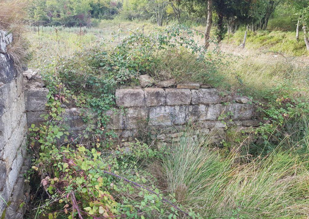 I pochi resti dello Spedale di San Iacopo a Valle. Autore e Copyright Marco Ramerini